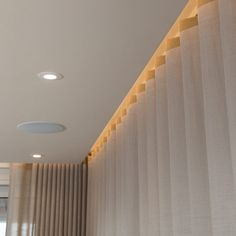 Silent Gliss 3840 top fixed into ceiling recesses. Gypsum Design, Gypsum Ceiling Design, House Ceiling Design, Ceiling Design Living Room, Ceiling Trim, Ceiling Curtains, Floor To Ceiling Windows, Bedroom Pop Design, Home Room Design
