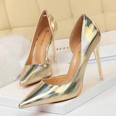 Pointed Heels, Stiletto Pumps, High Heels Stilettos, Silver High Heel Shoes, Green High Heels, Silver Wedding Shoes, Extreme High Heels, Womens High Heels, Sexy