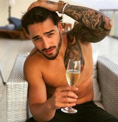 Born Juan Luis Londoño Arias, he took the stage name of Maluma and made it into a Colombian sensation. Hunk of the Day | Alan Ilagan