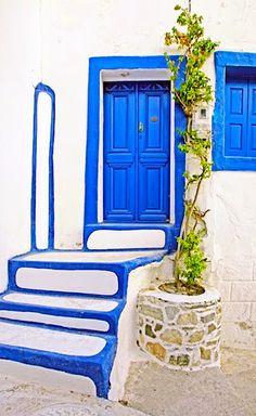 Chora, Astypalaia, Greece Cool Doors, Unique Doors, Building A Door, Door Detail, Knobs And Knockers, Doorway, Stairways, Windows And Doors, Exterior Design