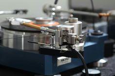 Axiom tonearm mounted on a Micro Seiki SX8000