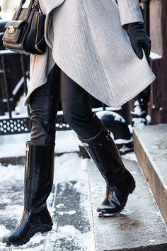 Krystal Faircloth wearing Hunter original Tall Gloss Boots on http://www.apinchoflovely.com/