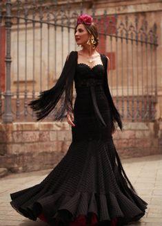 lady-addict-3 Cristina Reyes, Spanish Dress, Dimonds, Hair Pieces, Goth, Dance, Costumes, Lady, Pretty