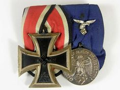 Parade mounted medal bar featuring the Iron Cross Class and Luftwaffe 4 Year Long service. Luftwaffe, Military Art, Military History, War Medals, World War Two, Character Concept, Wwii, Germany, Badges