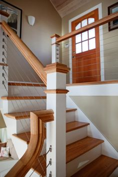 Entryway with cable stair railing