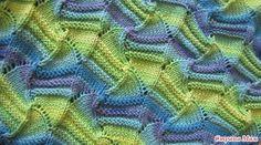 Захотелось мне к лету полосатика. Голубенького Узорчик понравился вот этот: Пряжица Белочка (BELLA 100% хлопок, 180 м, 50 гр.) батик цвет 4150 5 мотков и 2 мотка синей, цвет 387, спицы 3,0 и 2,5.