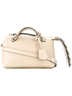 Achetez Fendi sac à bandoulière à ornements. Ornements, Sacs À Bandoulière  Roses, Sac 27dcb9dec4e