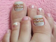 Pedicure Colors, Pedicure Nail Art, Toe Nail Art, Nail Spa, Pretty Toe Nails, Pretty Toes, Purple And Pink Nails, Girls Nails, Toe Nail Designs