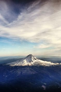 Obsessed with this mountain--Mt. Hood, Oregon. [MY MOUNTAIN]