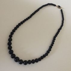 Vintage Black Bead Necklace Classy and so pretty! Vintage Jewelry Necklaces