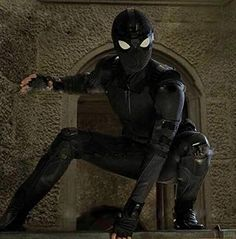 With rumours swirling that the first trailer for Spider-Man: Far From Home may have been delayed, you'll be excited to know that we have a first look at Tom Holland's Peter Parker in his new stealth suit! Ms Marvel, Marvel Heroes, Captain Marvel, Captain America, The Avengers, Superhero Movies, Marvel Movies, Hulk Superhero, Nick Fury