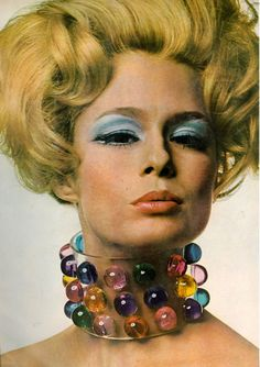 Perspex choker necklace. Photo by Gianni Penati, 1967.