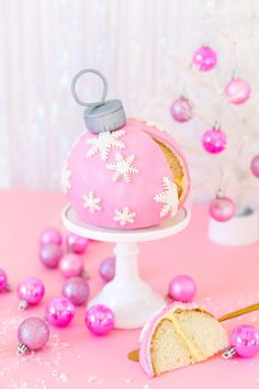 wish you all a sweet Christmas Pink Christmas, Christmas Desserts, Christmas Treats, Christmas Baking, Christmas Holidays, Xmas, Christmas Cakes, Homemade Birthday Cakes, Pink Sparkly