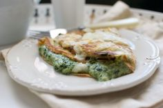 Crepes rellenos de espinacas Crepes Rellenos, Spinach Recipes, Quiche, Facebook, Breakfast, Food, Dishes, Food Cakes, Sweets