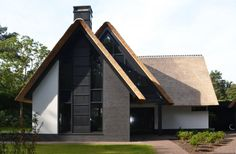 Contemporary take on the traditional Dutch country house.