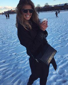 "5,234 Synes godt om, 32 kommentarer – Maja Darving. (@majadarving) på Instagram: ""⛄️🌨❄️"" Monochrom, Winter Jackets, Instagram Posts, Fashion, Winter Coats, Moda, Winter Vest Outfits, Fashion Styles, Fashion Illustrations"