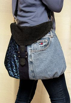 denim patchwork bag | Flickr - Photo Sharing! - no directions, but her Flickr page has lots of ideas for patchwork bags