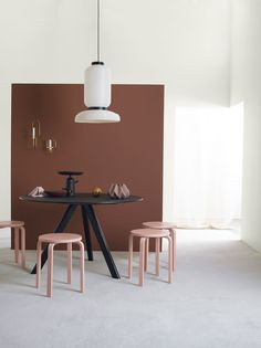 Urban Living collection from Jotun Colour Collection 2017 adds a wonderful energy, creating a home that inspires, just like the big cities Brown Walls, Red Walls, Murs Roses, Jotun Lady, Deco Rose, Cocinas Kitchen, Hotel Interiors, Cafe Interior, Design Interior
