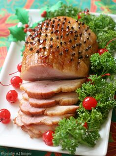 Homemade Ham for Noche Buena - The Peach Kitchen Baked Gammon, Baked Ham, Christmas Ham, Christmas Foods, Christmas Recipes, Peach Kitchen, Homemade Ham, How To Cook Ham, Crockpot Recipes