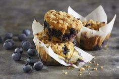 This blueberry muffin recipe is a true winner. Quick, easy and above all, delicious. It might be one of the best blueberry muffins we have! Gluten Free Blueberry Muffins, Blueberry Recipes, Coconut Recipes, Blue Berry Muffins, Blueberry Ideas, Healthy Filling Snacks, Yummy Snacks, Healthy Deserts, Eating Healthy