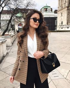 Check Cute and Comfortable Office and Work Outfits to Wear All Day Long, office outfits women young Casual Work Outfits, Professional Outfits, Mode Outfits, Office Outfits, Classy Outfits, Chic Outfits, Fall Outfits, Fashion Outfits, Casual Office