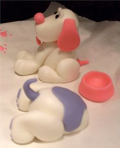 Two Crazy Cupcakes: Fondant Puppy Cake Toppers, maybe use with oreo crumbles for dirt? Fondant Dog, Fondant Icing, Fondant Toppers, Fondant Cakes, Cupcake Cakes, Cupcake Toppers, Frosting, Fondant Animals Tutorial, Fondant Tutorial