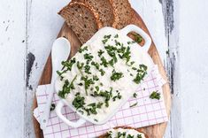 Looking for a dairy-free cottage cheese? This vegan cottage cheese recipe is perfect for you! Make it in less than 10 minutes. Delicious on bread or as dip! Vegan Cottage Cheese, Vegan Feta Cheese, Best Vegan Cheese, Cottage Cheese Recipes, Dairy Free Recipes, Vegan Recipes Easy, Vegan Recepies, Gf Recipes, Veggie Recipes