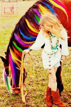 Rainbow horse hair Great for hoof- tober! could do orange instead of rainbow colors Libia e Iván Horse Mane, Horse Girl, Pretty Horses, Beautiful Horses, Horse Halloween Costumes, Horse Braiding, Mane N Tail, Show Horses, Models