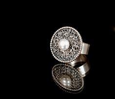 Frances Julie Whitelaw Silver pearl ring, 2011 Silver Pearl Ring, Silver Pearls, Touch Of Gray, Pearl Jewelry, Cufflinks, Jewelry Design, Note, Jewels, Jewellery