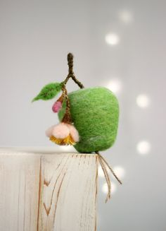 Needle Felted Green Apple With A Blossom - Easter Home Decor - Cottage Decoration - Needle Felt Green Home Decoration - Easter Ornament