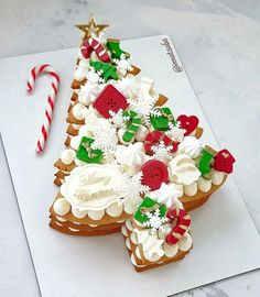 Christmas Cake Designs, Christmas Sweets, Christmas Cooking, Noel Christmas, Christmas Goodies, Christmas Cakes, Cake Cookies, Cupcake Cakes, Tasty Cookies