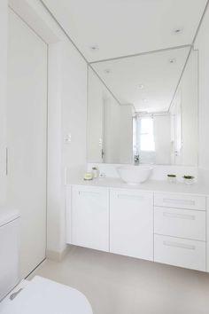 Banheiro branco clean | Projeto by Dani Momoi Arquiteta