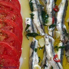 Pepi's kitchen: Γαύρος μαρινάτος English Food, Greek Recipes, Healthy Recipes, Fish, Meat, Cooking, Fitness, Kitchen, Blog