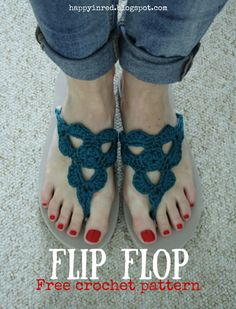 Crochet flip flops, free pattern. Would you like to crochet flip flops? It's not hard, just check out this free crochet pattern | Happy in Red