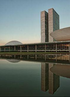 Oscar Niemeyer, Parliament Building, Brasilia