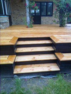 5 Impressive Tips and Tricks: Patio Plants Curb Appeal raised patio design.Patio On A Budget Simple patio exterieur gris. Patio Deck Designs, Patio Design, Garden Design, Backyard Patio, Backyard Landscaping, Deck Steps, Diy Deck, Decks And Porches, Building A Deck