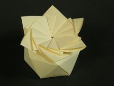 Hexagonal antiprism star-box from circle | by Mélisande*