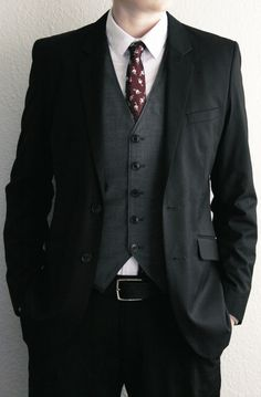what can I say, I love vests and the light-gray vest + dark jacket is killer.