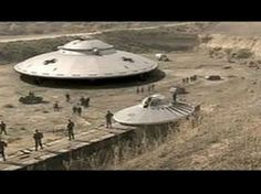 Best ufo sightings 2016 - US troops captured UFO and aliens giant shock Alien Sightings, Ufo Sighting, Aliens And Ufos, Ancient Aliens, Ufo Footage, Video Footage, Latest Ufo, Secret Space Program, Unidentified Flying Object