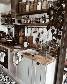 - A mix of mid-century modern, bohemian, and industrial interior style. Home and apartment decor. Home Decor Kitchen, Home Decor Bedroom, Kitchen Interior, New Kitchen, Home Kitchens, Diy Home Decor, Design Bedroom, Room Kitchen, Dining Room