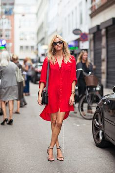 red shirt dress // street style