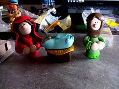 how adorable. my sister makes these out of clay? crazy!