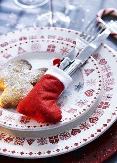 Déco table de Nöel pas cher : nos idées bluffantes pour un joli Noël.  Lot de 4 bottes pour Noël, 2,49 euros. 3 Suisses.