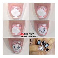 Photo Mickey Mouse Nail Art, Mickey Mouse Nails, Nail Art Diy, Cool Nail Art, Disney Inspired Nails, Animal Nail Art, Kawaii Nails, Rose Gold Nails, Crazy Nails