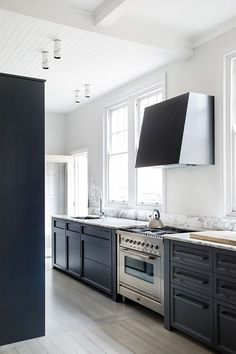 A couple of weeks ago I received an email from Richard Riboni regarding his recently completed apartment renovation in Potts Point, Sydney. ...