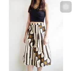 Rok batik Blouse Batik, Batik Dress, Rok Batik Modern, Batik Parang, Long Skirt Fashion, Batik Kebaya, Friday Outfit, Batik Fashion, Ethnic Outfits