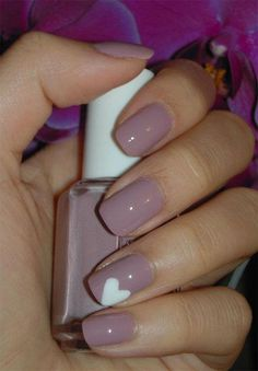 [ad#ad_2] Nail art is never going to be wiped out in the schema of a woman because whenever she dresses up she likes to paint her nails accordingly. Now wome