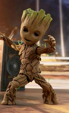 Unique Shape Marvel Avengers Infinity War Pot Groot Wooden Look Tree Flowerpot Cum Pen Container- Tree Man Marvel Drawings, Disney Drawings, Cute Drawings, Marvel Art, Marvel Heroes, Marvel Avengers, Marvel Comics, Cartoon Wallpaper, Disney Wallpaper