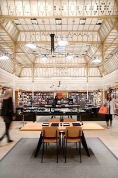 mmmmmm espace librairie, suspension Serge Mouille !  Le Bon Marché - 24, rue de Sèvres - 75007 Paris