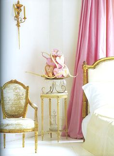 gold and cream chair with gold bed and cerise pink curtains - beautiful bedroom Home Interior, Interior Design, Modern Interior, Interior Decorating, Decorating Ideas, Pink Curtains, Silk Drapes, Pink Bedrooms, Pink Houses